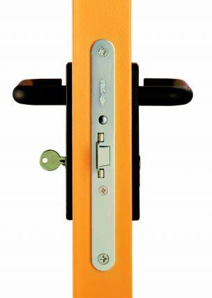UNI szabvány EI2 60 és EI2 90 tűzgátlási határértékű tűzgátló ajtó